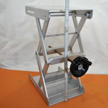 gebrauchte, große Labor-Hebebühne Swiss Boy 118 Laborboy bis 50 cm Höhe