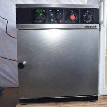 gebrauchter Wärmeschrank 220°C, Memmert UM 400, 53 Liter