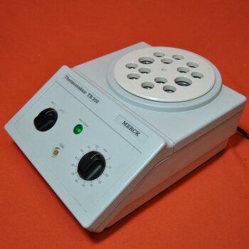 gebrauchter Küvettenthermostat Merck Thermoreaktor TR 300 für Rundküvetten