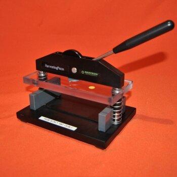 gebrauchte Presse für Mikrotiterplatten Skatron Instruments Harvester Press 7092