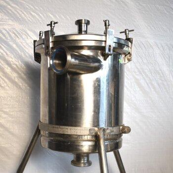 gebrauchter Edelstahlbehälter 40  Liter Milchrohrverschraubungen